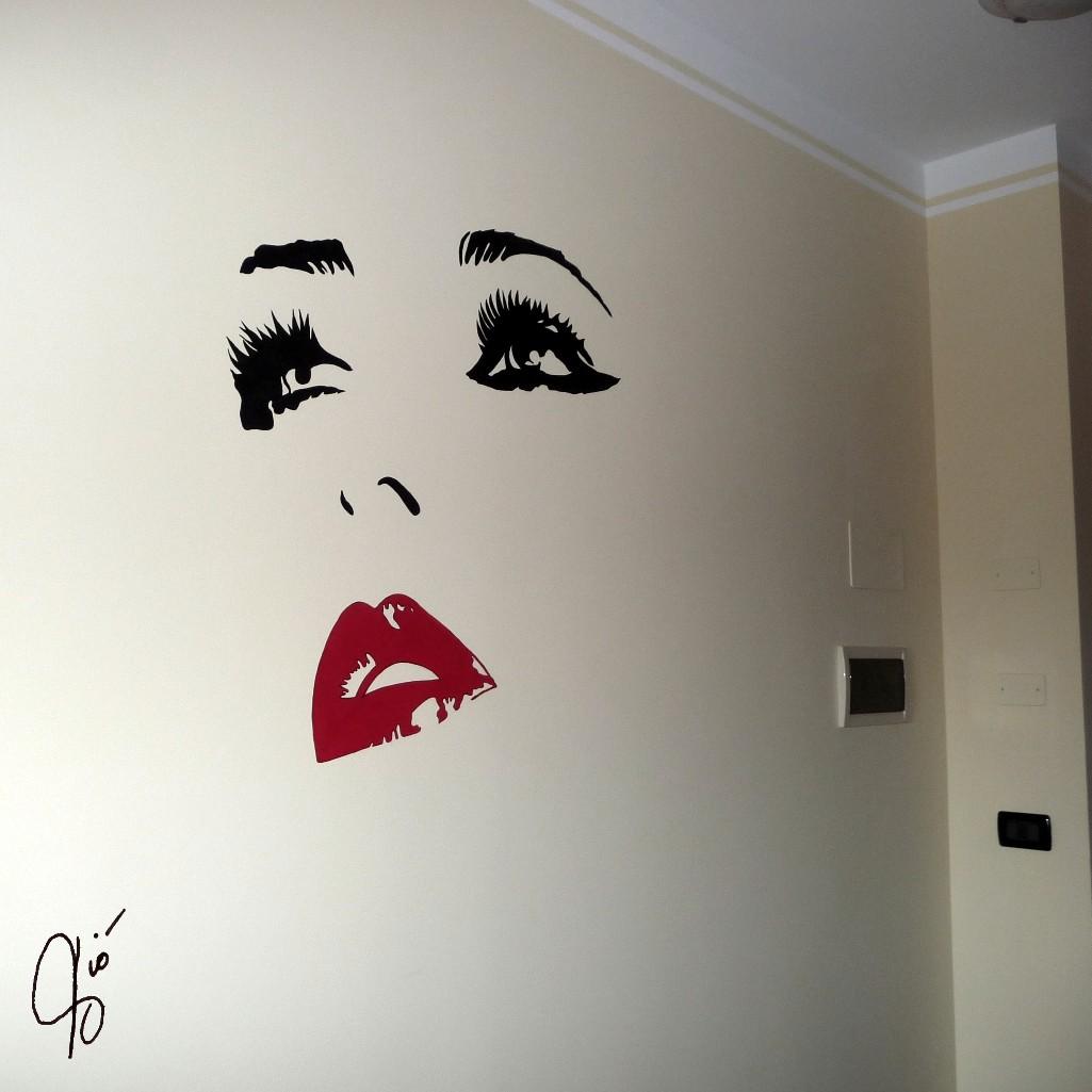 Murales Viso Stilizzato Violetta Viola
